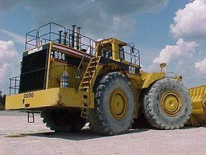 Caterpillar 994 loader before MinNoDOC installation